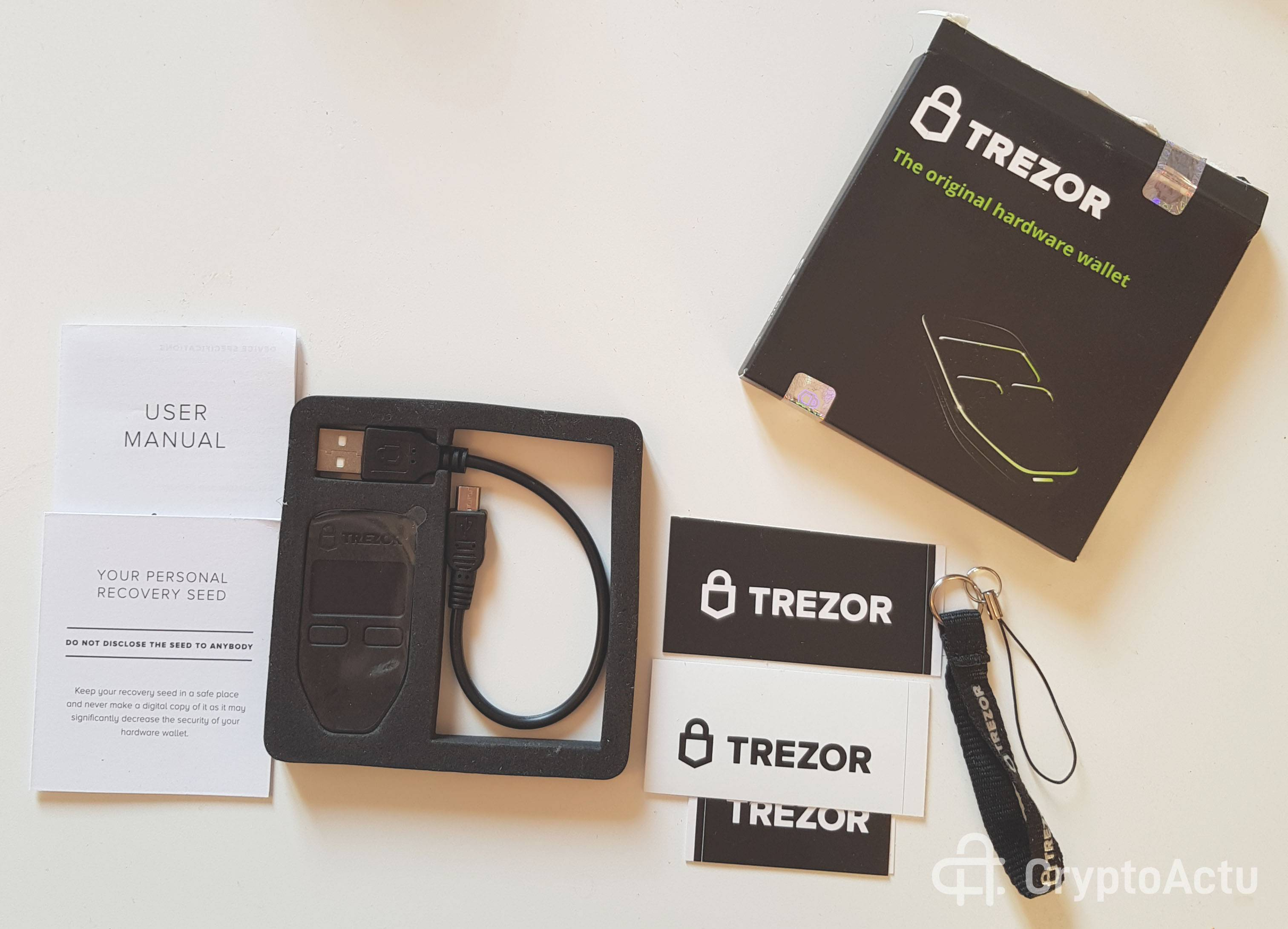 trezor test complet et avis du portefeuille pour crypto monnaies lesscro. Black Bedroom Furniture Sets. Home Design Ideas